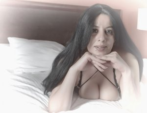 Clothilde escort girl in Watauga Texas