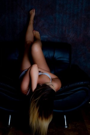 Mauranne live escort in Russellville and nuru massage